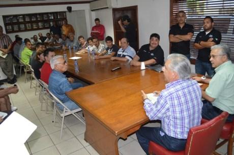 Aspectos de reunión con líderes deportivos.
