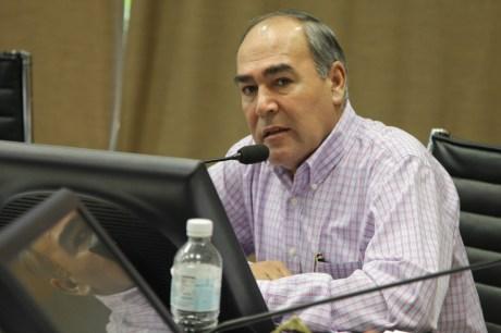 Diputado Carlos Navarro, del PRD.