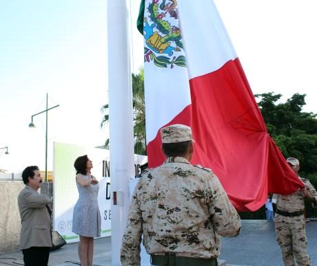 Este día celebraron Honores a nuestra Bandera en el Isssteson.