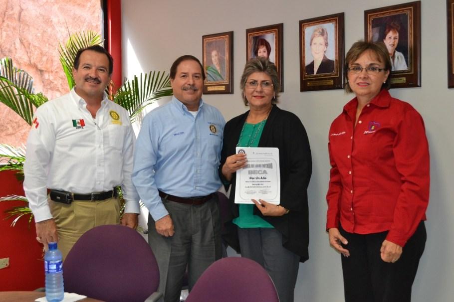 Becas por parte de Club Rotario, Nogales Sur AC.