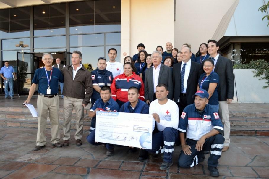 Es testigo RGM de entrega de apoyo de la empresa Chamberlain a damnificados de Sinaloa.
