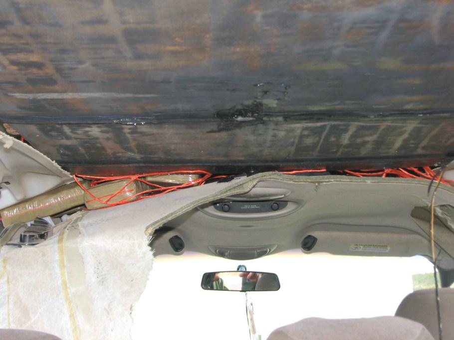 Droga oculta en una camioneta.