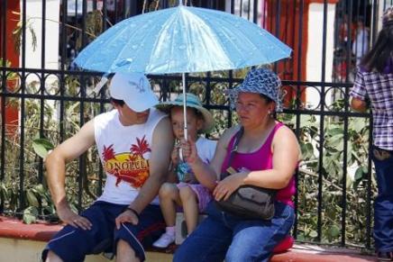 Exhorta Secretaría de Salud a protegerse del calor y de la humedad