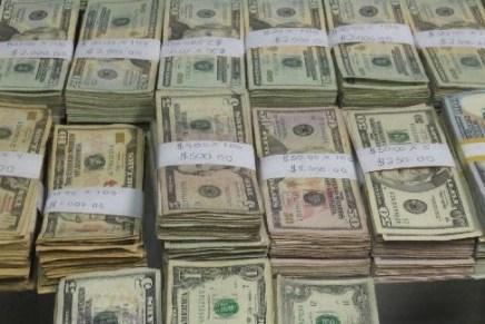 Interceptan a sonorense con casi 189 mil dólares en efectivo, en garita de Nogales
