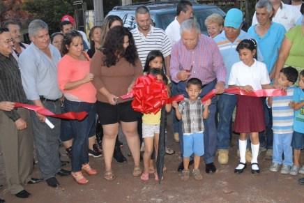 Entrega Alcalde obras de electrificación, agua y drenaje en la CTS-CROC