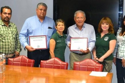 Reconoce Nogalenses en Pro de los Animales trabajo del alcalde Ramón Guzmán