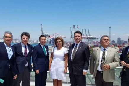 Propone Gobernadora Pavlovich sea Guaymas puerto alterno de Long Beach, California