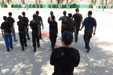 Más de cien jóvenes integran Escuadrón Juvenil de Seguridad Pública