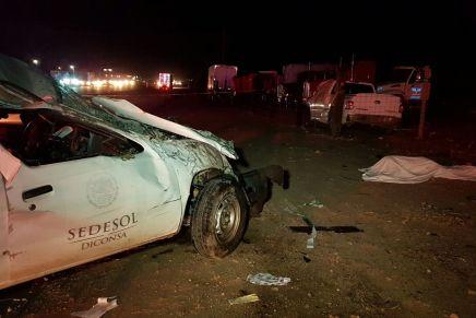 """Un muerto y varios lesionados deja """"carambola"""" entre cinco vehículos, frente al Cereso de Nogales"""
