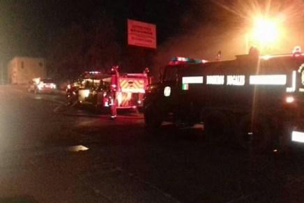 Resulta con quemaduras e intoxicada pareja de la San Miguel al incendiarse su vivienda