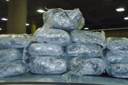 Detienen a otros 4 mexicanos con carros cargados de droga en garitas de Nogales