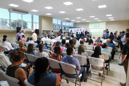 Brindan información delegados federales en el tema de economía