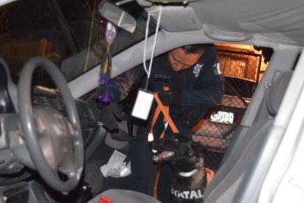 Detienen a joven abordo de un vehículo robado, en los Encinos