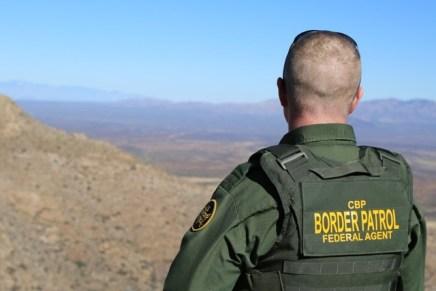 Balea agente de la Patrulla Fronteriza a migrante ruso