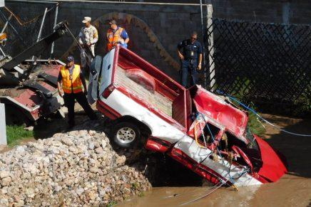 Propondrán multas a quienes expongan su vida en arroyos