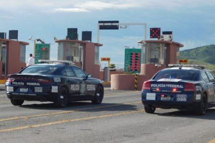 Toman casetas ciudadanos y liberan tránsito del Recinto Fiscal de Nogales