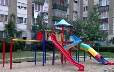 Primaria se pregateste de reparatiile spatiilor de joaca pentru copii
