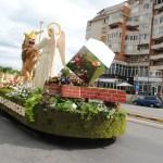 Carele alegorice inflorate au ajuns in Oradea. De la ora 15:30 ele pot fi vizionate in Piata Unirii (FOTO)