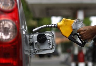 Guvernul creste cu 22% acciza la benzina si cu 14% la motorina. Cat vom plati de la 1 septembrie