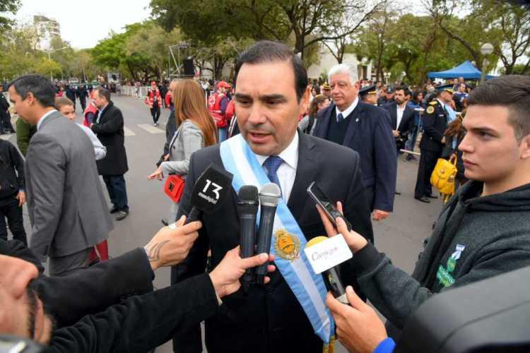 El Gobernador encabezó el desfile cívico militar