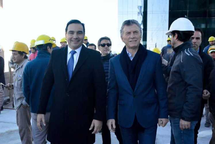 Macri y Valdés de recorrida en Corrientes