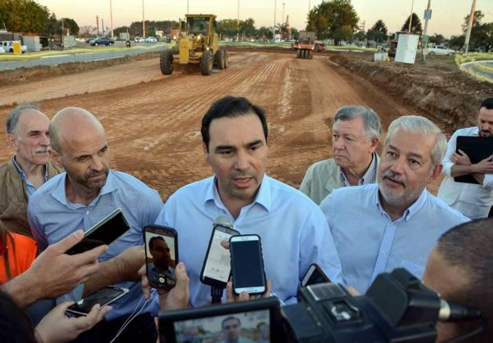 Valdés firmó con Dietrich obra ruta 126 y culminación de la Autovía 12