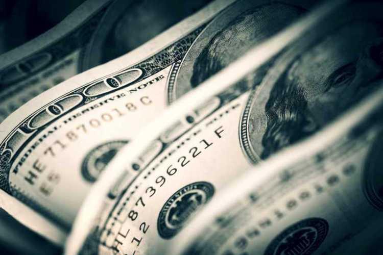 Los motivos de la restricción en la venta de dólares