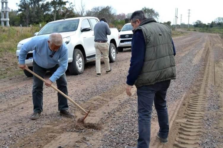 Recorrida por la obra de enripiado de la ruta 1 en Paso de la Patria