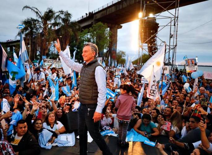 """Macri en Corrientes multitudinario """"Sí, se puede"""""""