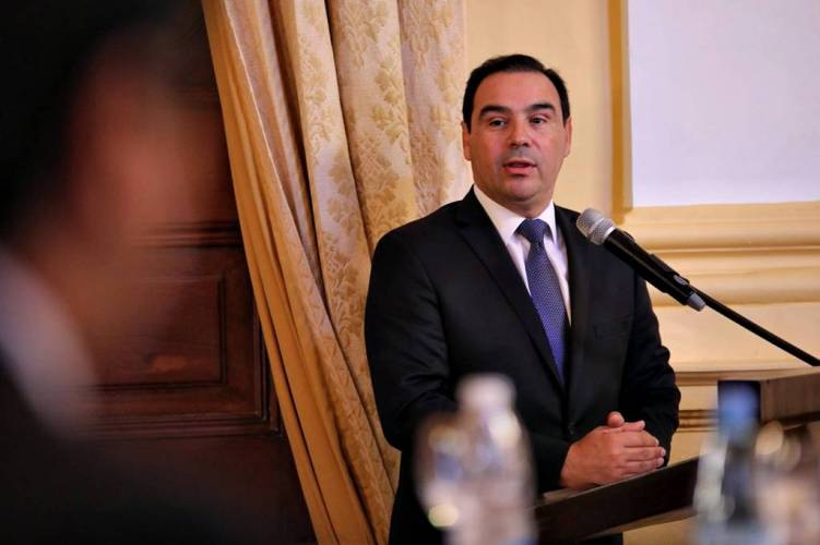Gobierno de Corrientes reestructura deudas