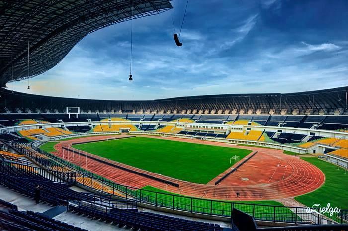 Foto Terbaru Stadion Gelora Bandung Lautan Api  WE WILL