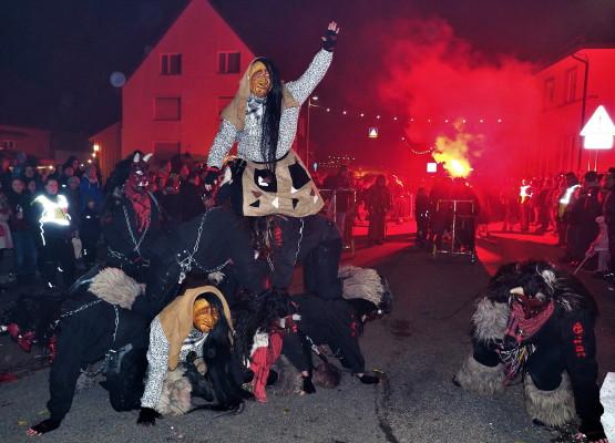 Nachtumzug Narrenbund Schellau 2018 – Fotogalerie