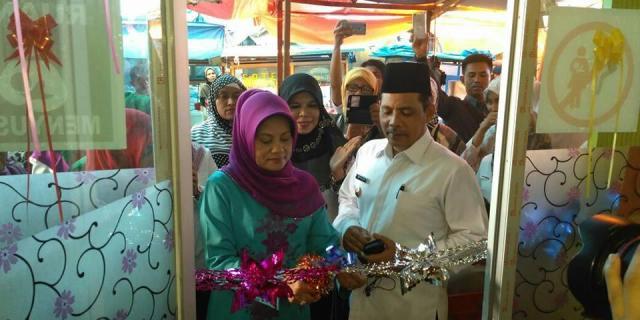 Wakil Walikota Launching Ruang ASI di Pasar Raya Solok.