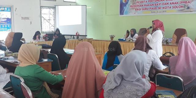 Pemberian Makan Bayi dan Anak (PMBA) bagi Guru PAUD se-Kota Solok