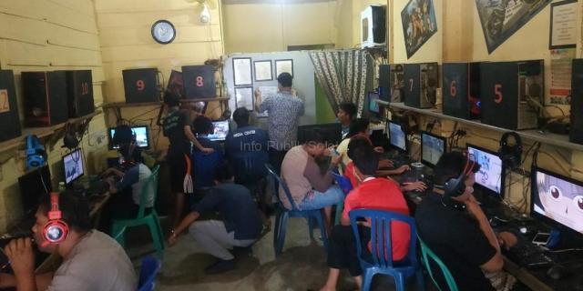 Pantau Situs Terlarang, Kominfo Monitoring Warnet