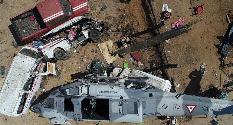 México: 13 muertos al caer un helicóptero