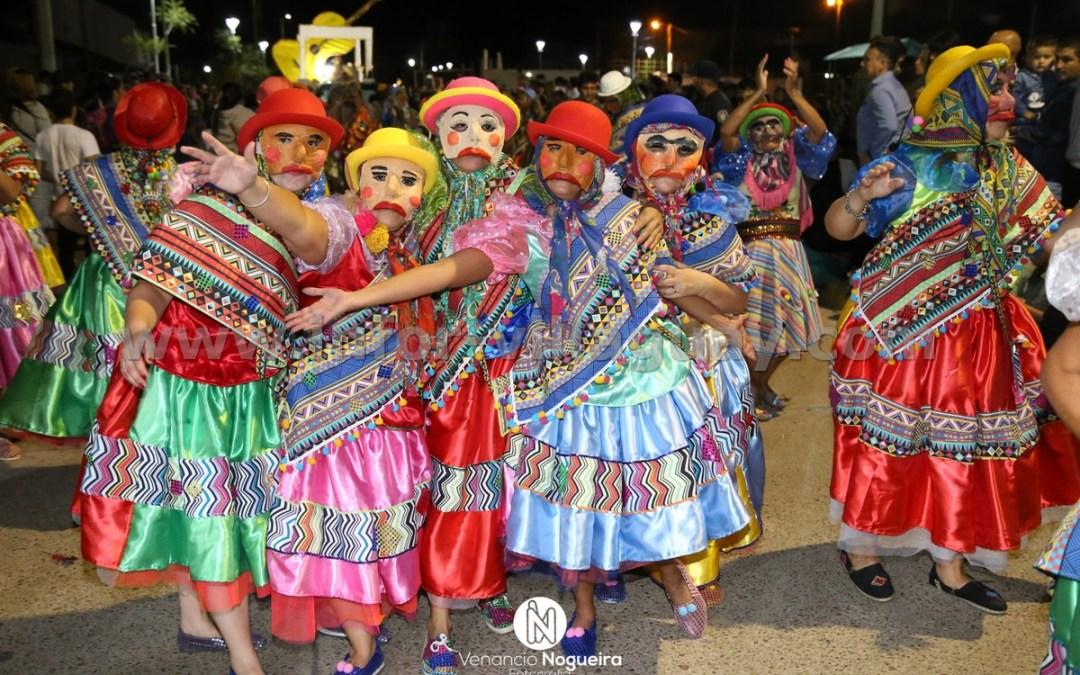 Fue multitudinaria la última noche de carnaval en Villaguay