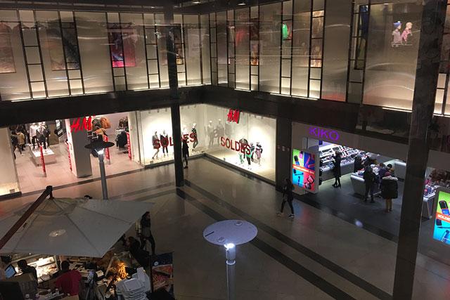 Centre commercial La Visitation à Rennes vu de l'intérieur