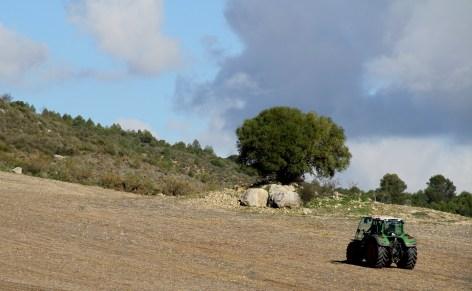Labor tractor