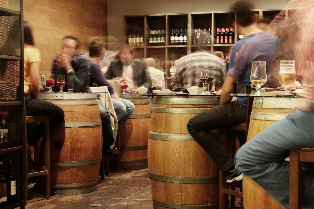 cerveza vs vino bar