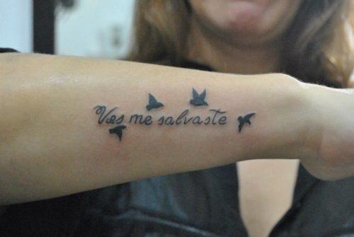 Imágenes De Tatuajes Pequeños Letras Y Frases Para Mujeres