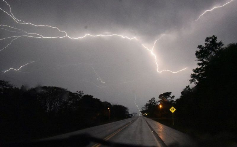 anuncian-tormentas-electricas-lluvias-y-fuertes-rafagas-de-viento-_925_573_1736145-2 Lloverá y volverá a llover; Anuncian precipitaciones y fuertes vientos