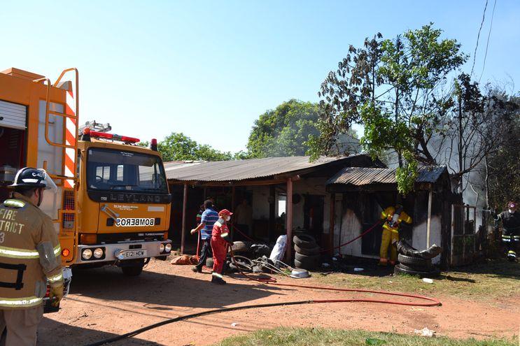 3QCZZ3GACFCS7HGHXDEX3LSMNU Una gomería se incendió en San Juan, Misiones