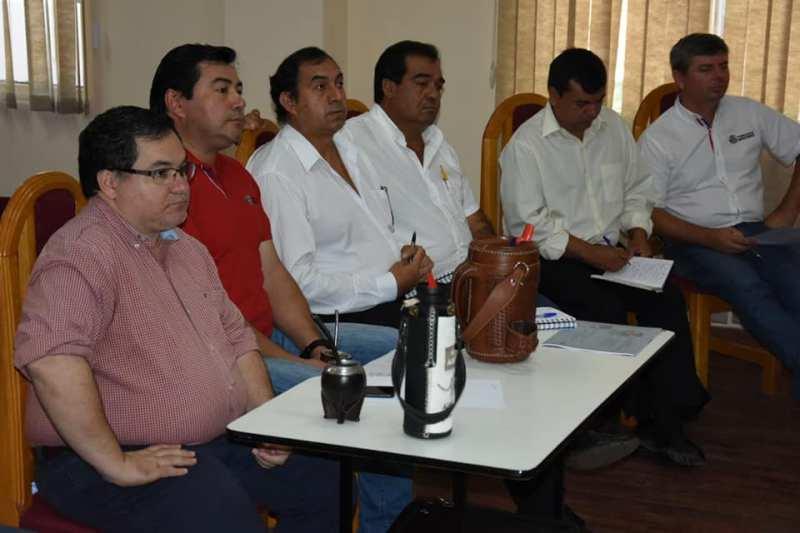 """52462689_2082516578536480_4074043760365797376_n Gobernación de Misiones con gabinete """"prestado"""" teme por nueva disposición de Yacyreta"""