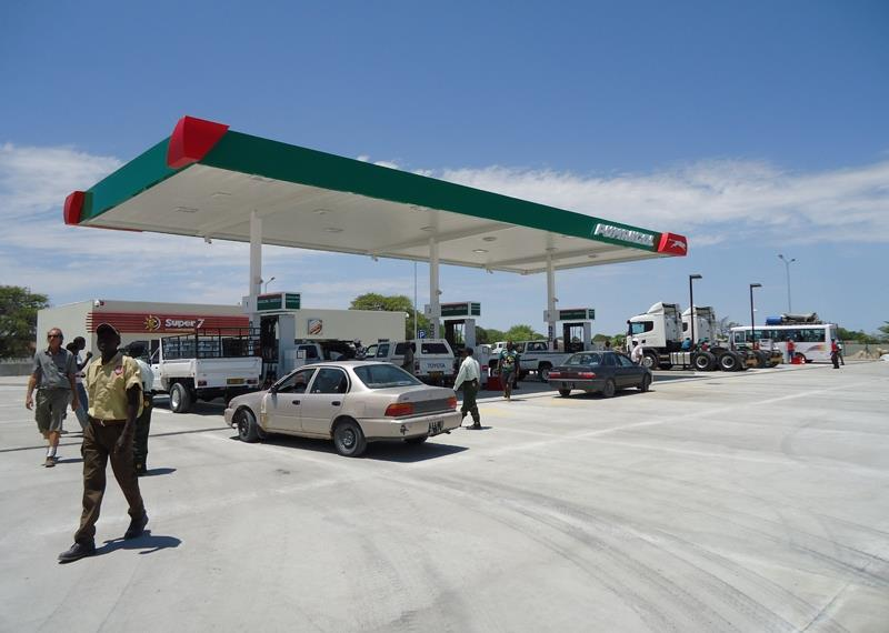 Police suspected in aiding fuel smugglers