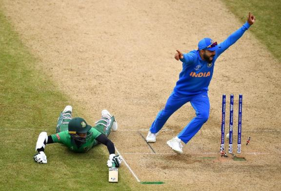 India seals semi-final spot deal