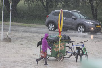 Rain pours down in the north