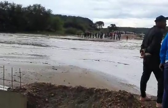 Rivers leave Ovitoto community stranded