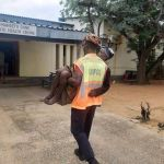 NamPol officer offers a helping hand