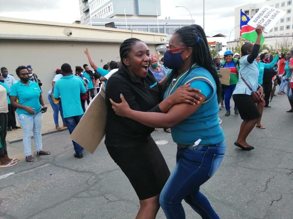 Judge rules striking Shoprite workers employees